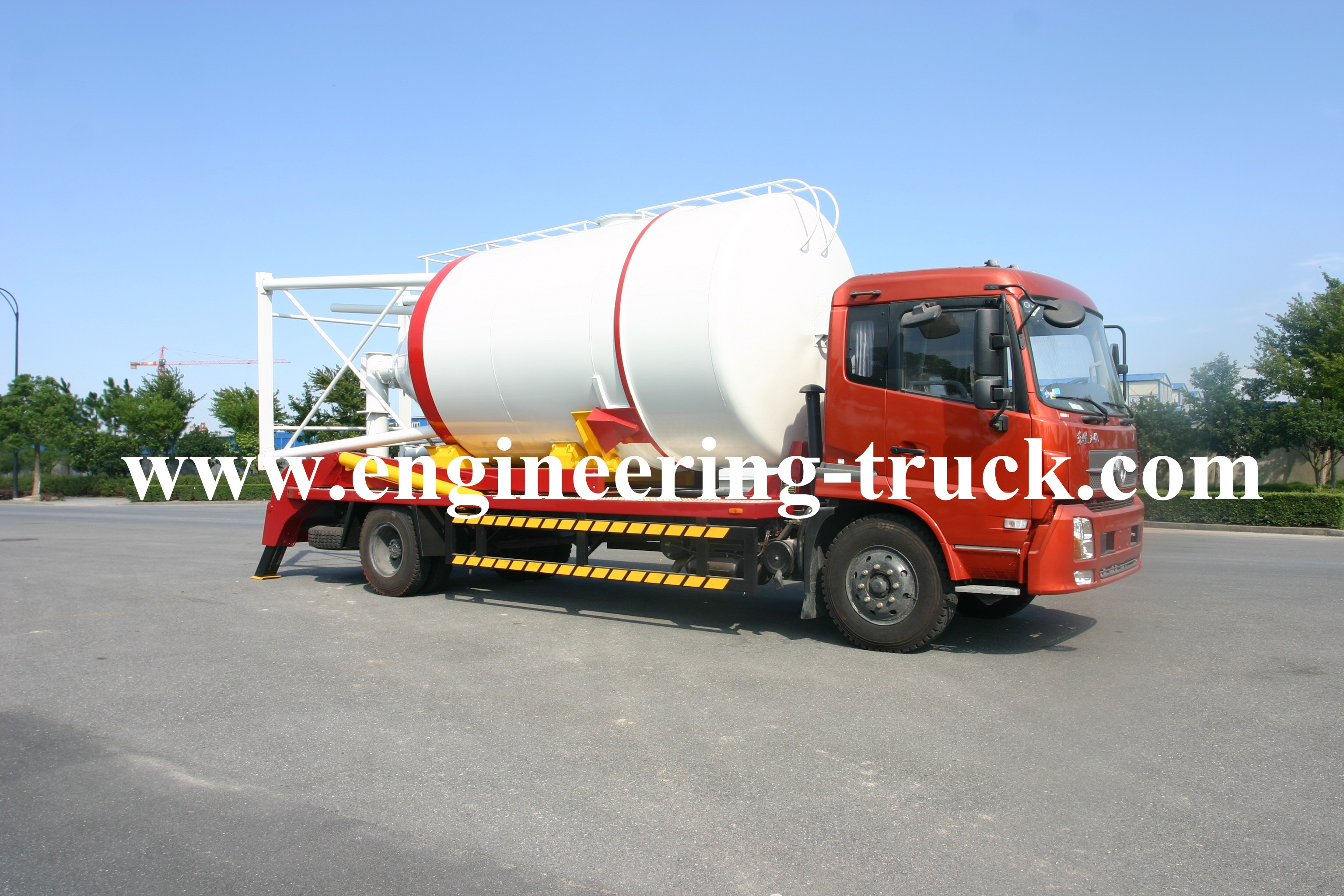 Tank Carrying Truck For Dry-mixed Mortar